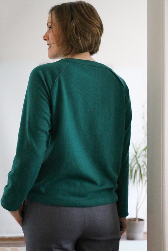 Grüner Pullover - Burda - Schneidersitz
